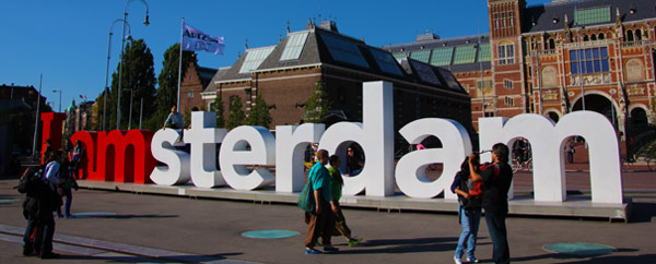 50 free things to do in amsterdam - I amsterdam sign
