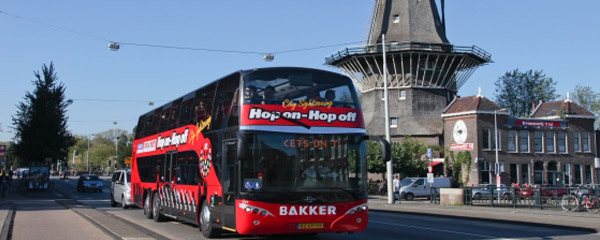 hop-on-hop-off-bus-tour-amsterdam-attraction