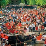 King's-Day-in-Amsterdam-1
